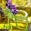 Massaggio viso con oli essenziali