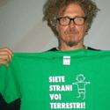 idee-regalo-maglietta-siete strani voi terrestri